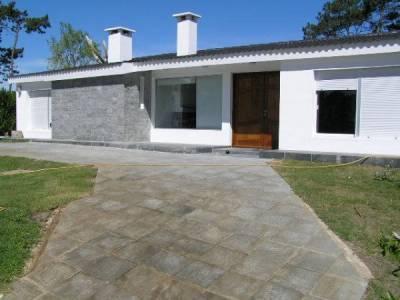 Casa en Bo. Cordoba, 3 dormitorios *