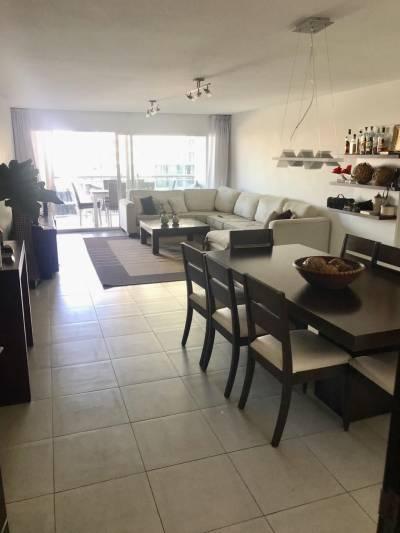 A 200 mts hotel CONRAD ,Playa Mansa y Brava.-