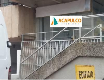 LOCAL COMERCIA A 50 METROS DE GORLERO.