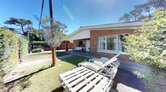 Casa en Punta del Este, zona Aidy Grill, Mansa-Brava