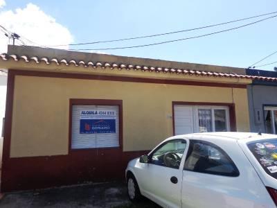 CASA EN MALDONADO, BUENA UBICACIÓN SOBRE AVENIDA