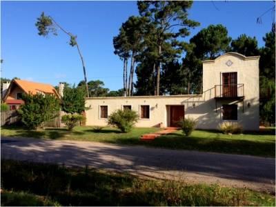 Casa en Punta del Este, Pinares, a pocas cuadras del mar, zona ideal para vivienda permanente!