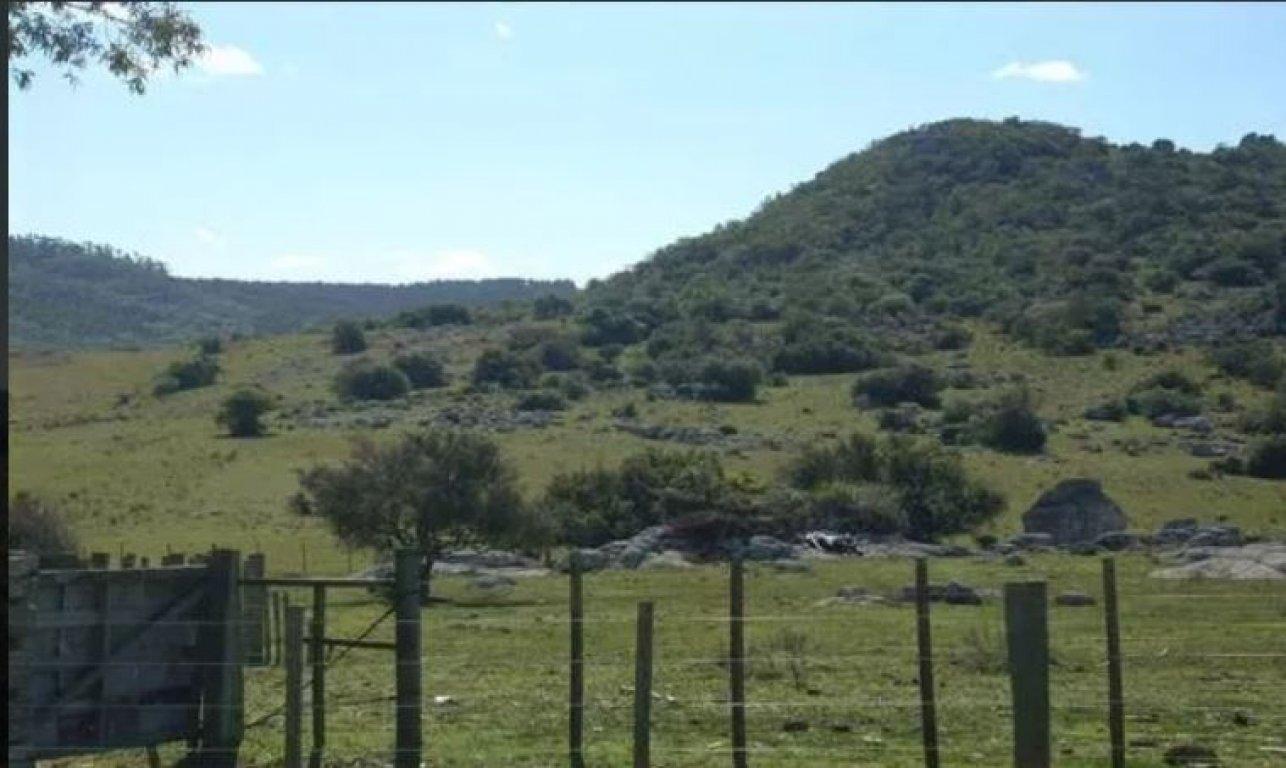 Campo en Uruguay, Lavalleja  a pocos km de Minas