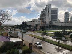 Mansa , Frente al hotel Conrad