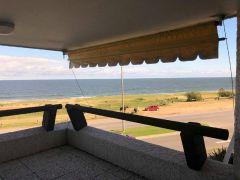 frente al mar playa mansa
