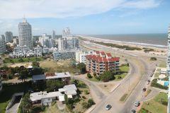 Brava -  Avenida Chiverta para 4 y medio a 100 metros del mar