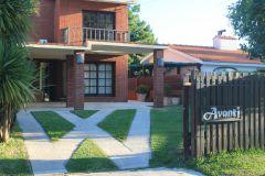 Hermosa Casa proxima a colegios  en alquiler anual