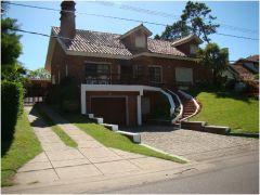 Hermosa casa , muy buen estado alquiler anual
