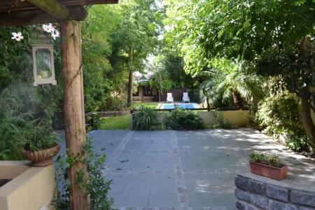 Magnífica residencia en Pocitos con gran fondo!! Única!!
