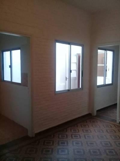 Linda casa de 2 dormitorios, ubicada en excelente zona a metros de la rambla.