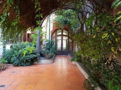 Hermosa casa de estilo , ideal familia numerosa o empresa.