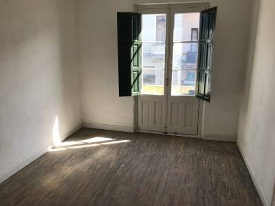 Oportunidad! casa antigua de 10 habitaciones en excelente zona céntrica en venta.